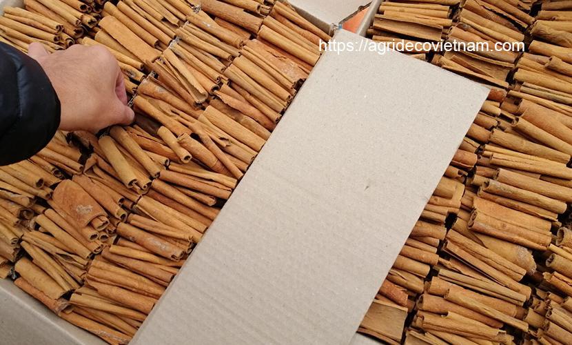 Saigon cinnamon: packing for export