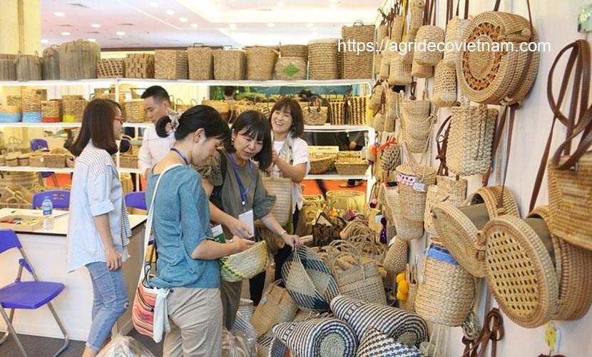 Vietnam handicrafts at an international fair